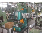 Riveting machines morueco Used